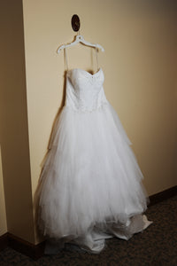 Jewel 'Strapless Tiered Tulle' size 14 used wedding dress side view on hanger