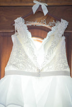 Load image into Gallery viewer, Mori Lee 'unknown' wedding dress size-24 PREOWNED