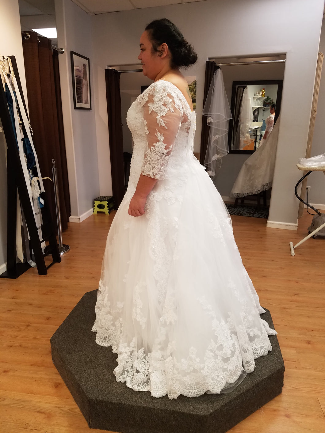 Casablanca 'Plumeria 2269' size 16 used wedding dress side view on bride
