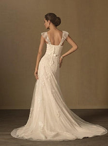 Alfred Angelo '2437' size 12 used wedding dress back view on model