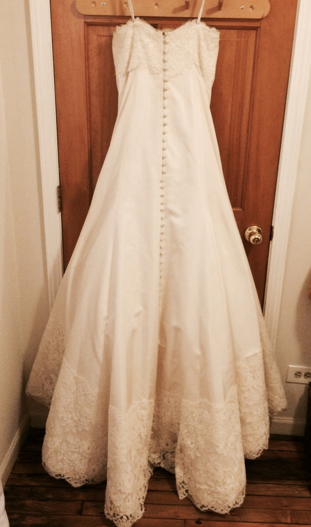 Monique Lhuillier Zuzanna Strapless Wedding Dress - Monique Lhuillier - Nearly Newlywed Bridal Boutique - 3