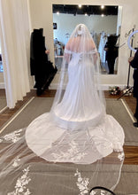 Load image into Gallery viewer, Pronovias 'Megaclite' wedding dress size-22 NEW