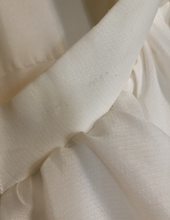 Load image into Gallery viewer, Maggiero 'Anita' size 14 sample wedding dress close up of snag