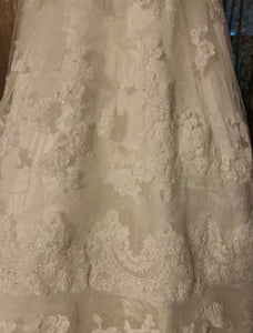 Casablanca '1900' size 10 used wedding dress view of fabric