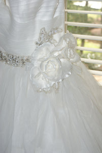 Rosa Clara 'Two' size 12 used wedding dress  front view close up