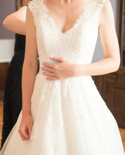 Load image into Gallery viewer, Allure Bridals '9470' size 0 used wedding dress front view close up