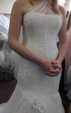 Load image into Gallery viewer, Monique Lhuillier 'Charlene' size 6 new wedding dress front view on bride