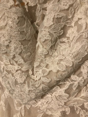 Watters 'Willowby' size 2 new wedding dress close up of fabric