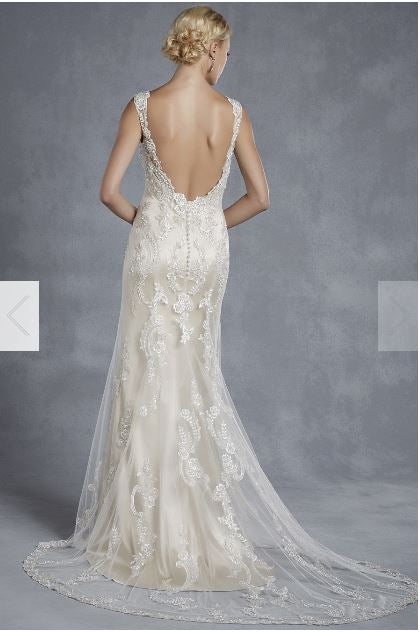 Enzoani 'Hollywood' size 8 new wedding dress back view on model