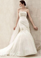 Oleg Cassini '7CWG377' size 0 used wedding dress front view on model
