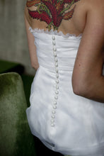 Load image into Gallery viewer, Jane Wilson 'Custom' - Jane Wilson - Nearly Newlywed Bridal Boutique - 2
