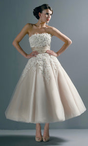 Justin Alexander '8465' size 4 new wedding dress front view on model