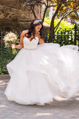 Pnina Tornai 'Classic Ball Gown' size 8 used wedding dress front view on bride