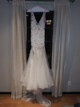 Load image into Gallery viewer, Liz Martinez 'Lucia' size 8 used wedding dress front view on hanger