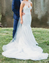 Load image into Gallery viewer, Berta '17' size 6 used wedding dress front view on bride