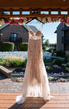 Load image into Gallery viewer, Martina Liana '1043' wedding dress size-02 PREOWNED
