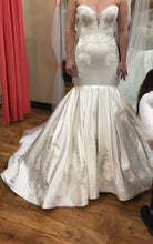 Load image into Gallery viewer, Mon Cheri Bridal 'Calliope' size 6 sample wedding dress front view on bride