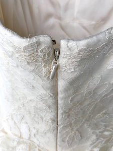 Vera Wang 'Ophelia' size 8 new wedding dress back view on hanger