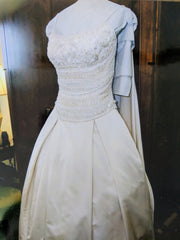 Lazaro ' 3171' size 4 used wedding dress front view on hanger