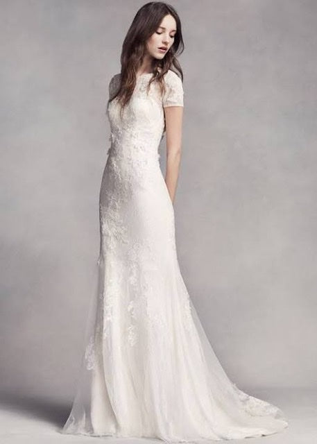 Vera Wang White 'Short Sleeve Lace' size 4 used wedding dress  front view on model