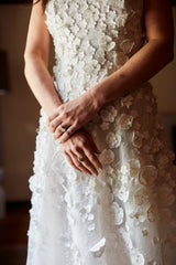 Oscar de la Renta 'Laine' size 14 used wedding dress front view on bride