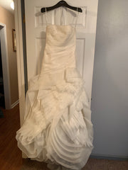 Vera Wang White 'Organza Ivory' size 4 used wedding dress front view on hanger