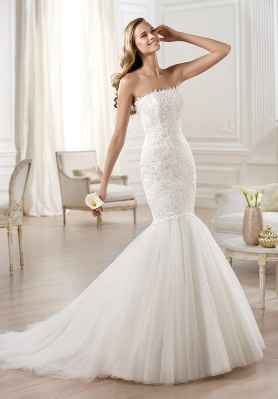 Pronovias 'Ona' size 12 sample wedding dress front view on model