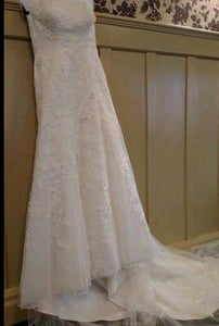 David's Bridal 'V3587' size 10 used wedding front view on hanger