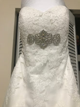 Load image into Gallery viewer, Alfred Angelo '2438' size 4 used wedding dress front view close up