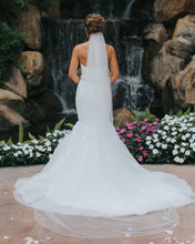 Load image into Gallery viewer, Alfred Angelo '2526' size 6 used wedding dress back view on bride