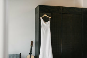 Vera Wang 'Florentina' size 2 used wedding dress front view on hanger
