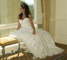 Load image into Gallery viewer, Demetrios '98249' - Demetrios - Nearly Newlywed Bridal Boutique - 4