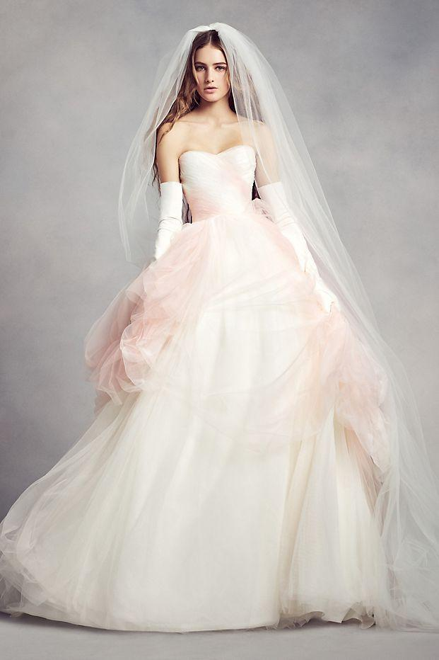 ab38f6646b39 White by Vera Wang 'Ombre Tulle' size 18 used wedding dress - Nearly ...