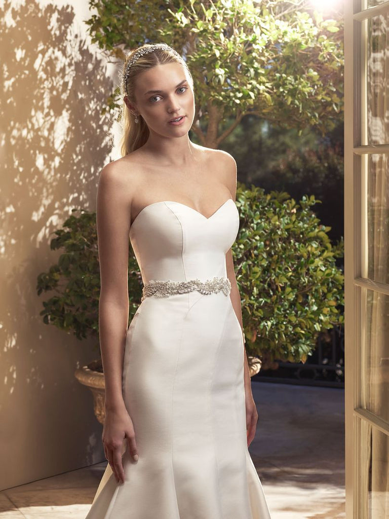 Casablanca 'Magnolia' size 6 new wedding dress front view on model