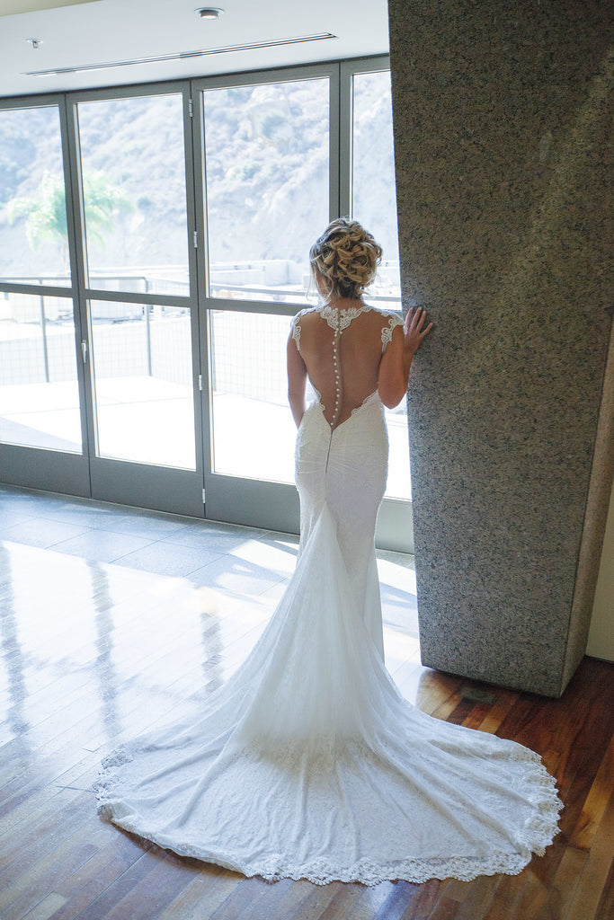 Berta '2016' size 4 used wedding dress back view on bride