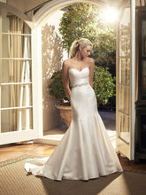 Load image into Gallery viewer, Casablanca 'Magnolia' size 6 new wedding dress side view on model