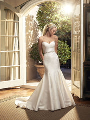 Casablanca 'Magnolia' size 6 new wedding dress side view on model