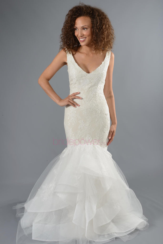 Monique Lhuillier 'Teagan' - Monique Lhuillier - Nearly Newlywed Bridal Boutique - 9