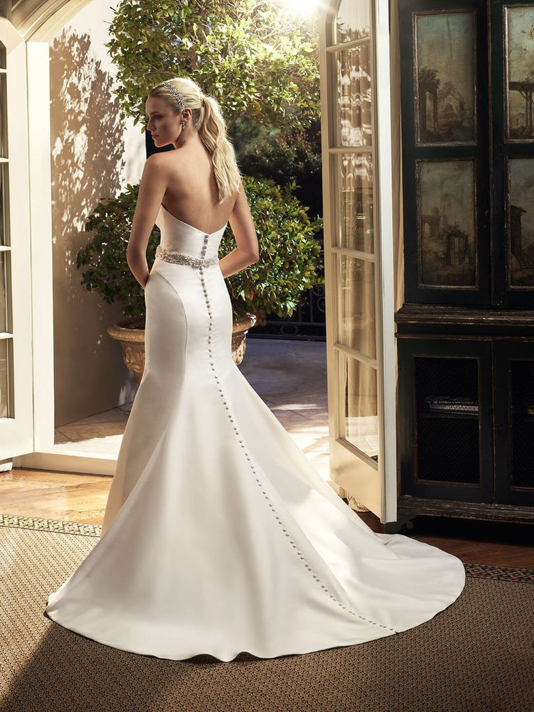 Casablanca 'Magnolia' size 6 new wedding dress back view on model
