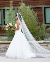 Load image into Gallery viewer, Pronovias 'Ocotal' - Pronovias - Nearly Newlywed Bridal Boutique - 4