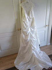 David's Bridal 'Cap Sleeve Satin' size 18 new wedding dress back view on hanger