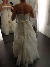 Load image into Gallery viewer, Vera Wang 'Deirdre' - Vera Wang - Nearly Newlywed Bridal Boutique - 2