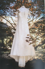 Load image into Gallery viewer, Jenny Lee 'Rachel' - Jenny Lee - Nearly Newlywed Bridal Boutique - 3