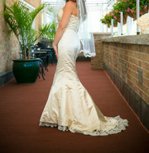 Load image into Gallery viewer, Alvina Valenta '9658' - Alvina Valenta - Nearly Newlywed Bridal Boutique - 1