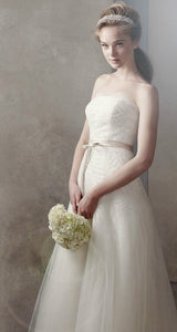 Vera Wang 'Fern Embroidery' - Vera Wang - Nearly Newlywed Bridal Boutique - 1