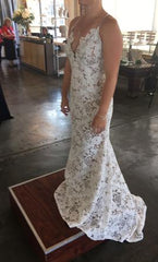Hayley Paige 'Cali' size 10 new wedding dress side view on bride