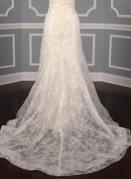 Carolina Herrera 'Audrey' size 6 new wedding dress view of train
