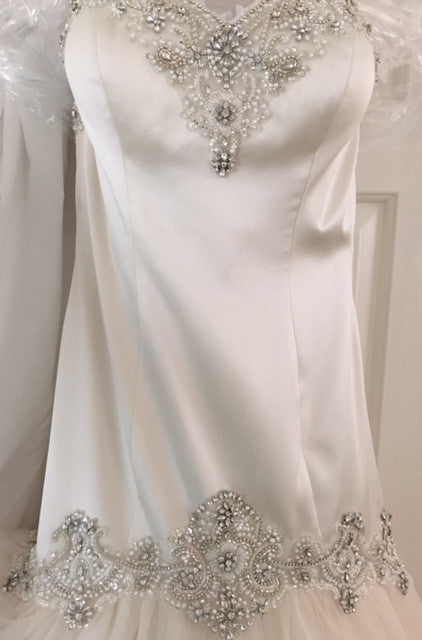 Essence of Australia 'D1571' - essence of australia - Nearly Newlywed Bridal Boutique - 3