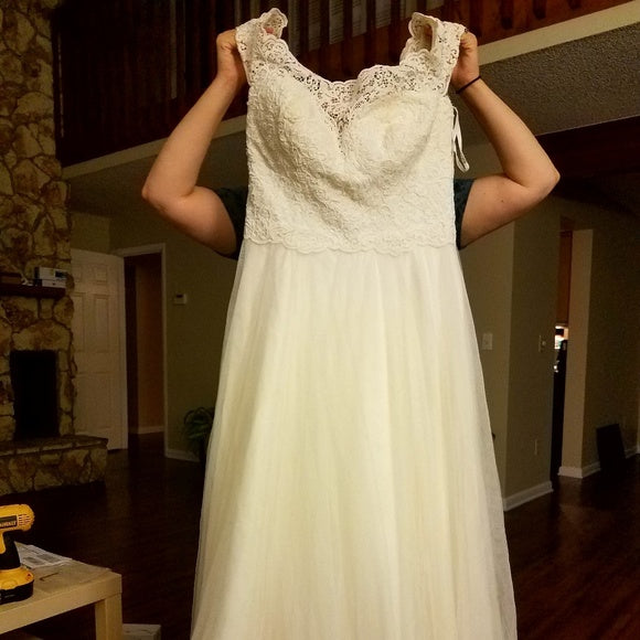 Essence of Australia '2466' size 14 used wedding dress front view