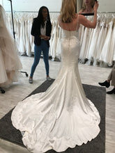 Load image into Gallery viewer, Pronovias 'Drens' size 4 used wedding dress back view on bride